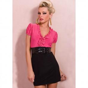 Vestido corto rosa con cinturón